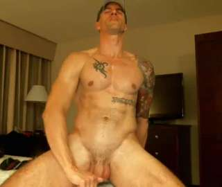 Strong Tattooed Cam Gay Likes To Play Hard