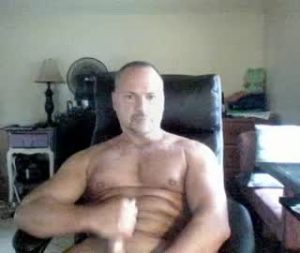 Fit Mature Guy Wanks Off On Gay Live Cam