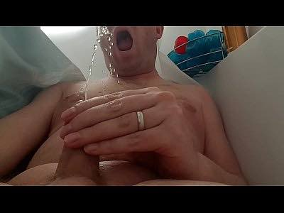 Daddy Drinking His Own Piss In Bathub