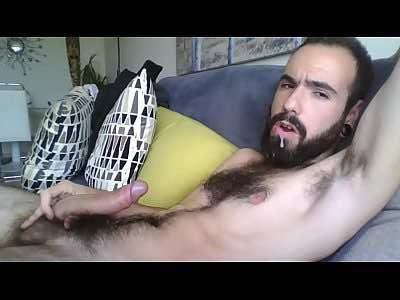 Hairy Cammer Cums On His Beard